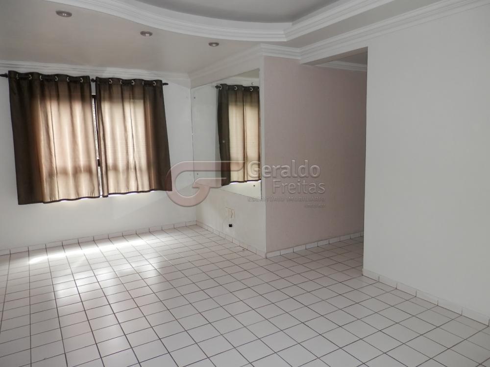 Alugar Apartamentos / 03 quartos em Maceió. apenas R$ 250.000,00