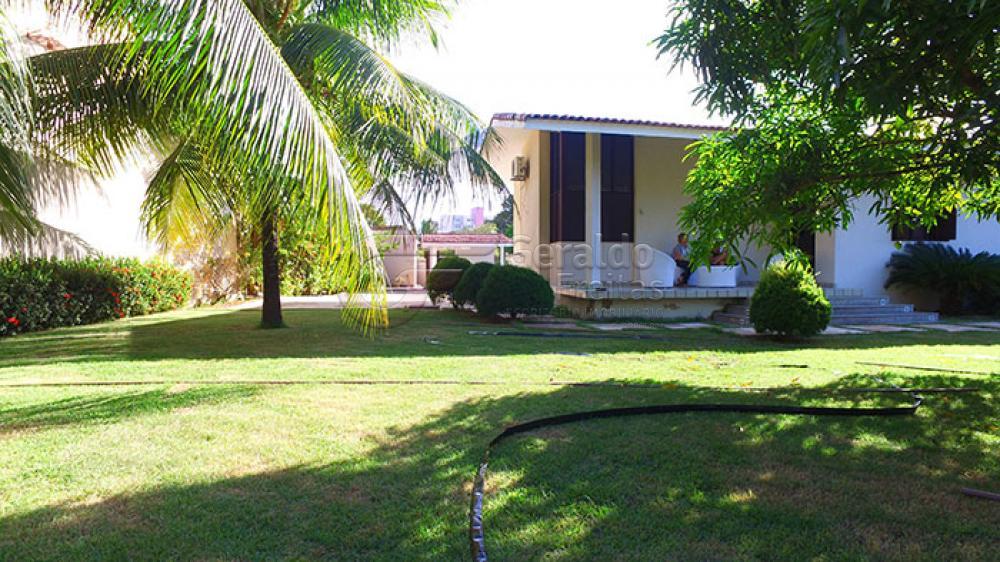Casas / Padrão em Maceió Alugar por R$5.000,00