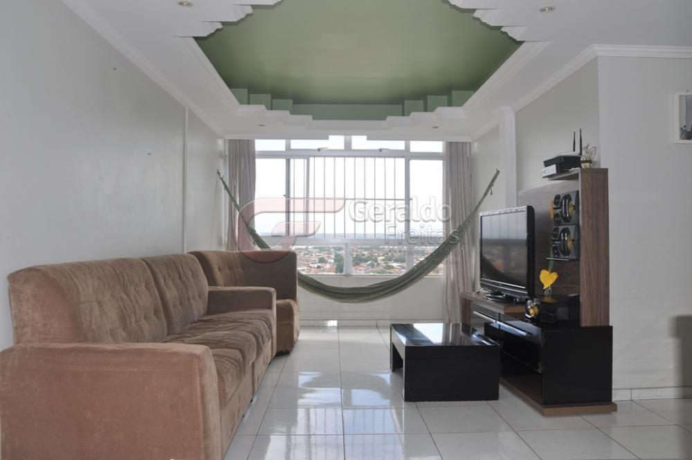 Alugar Apartamentos / Padrão em Maceió apenas R$ 1.600,00 - Foto 2