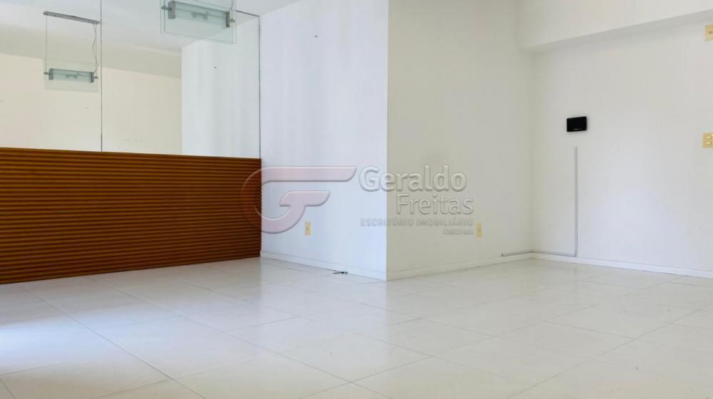 Alugar Apartamentos / Padrão em Maceió R$ 2.000,00 - Foto 1