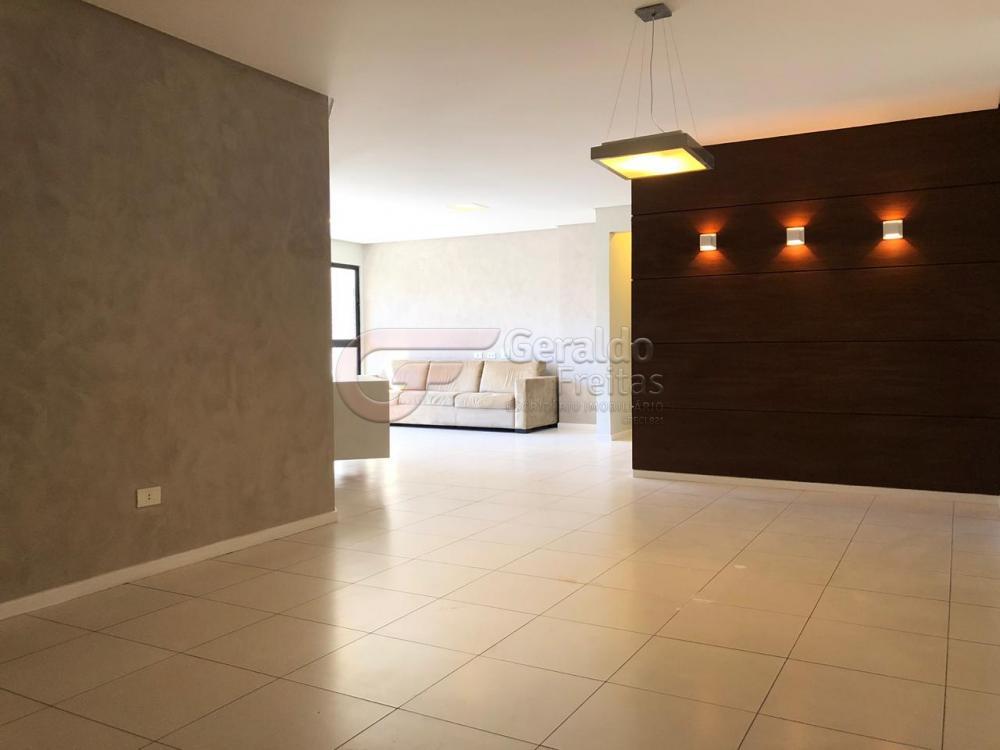 Maceio Apartamento Locacao R$ 1.967,85 Condominio R$1.800,00 3 Dormitorios 1 Suite Area construida 164.28m2