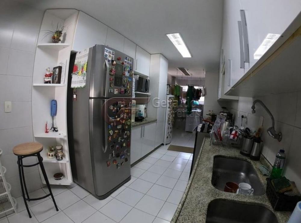 Comprar Apartamentos / Padrão em Maceió R$ 750.000,00 - Foto 6