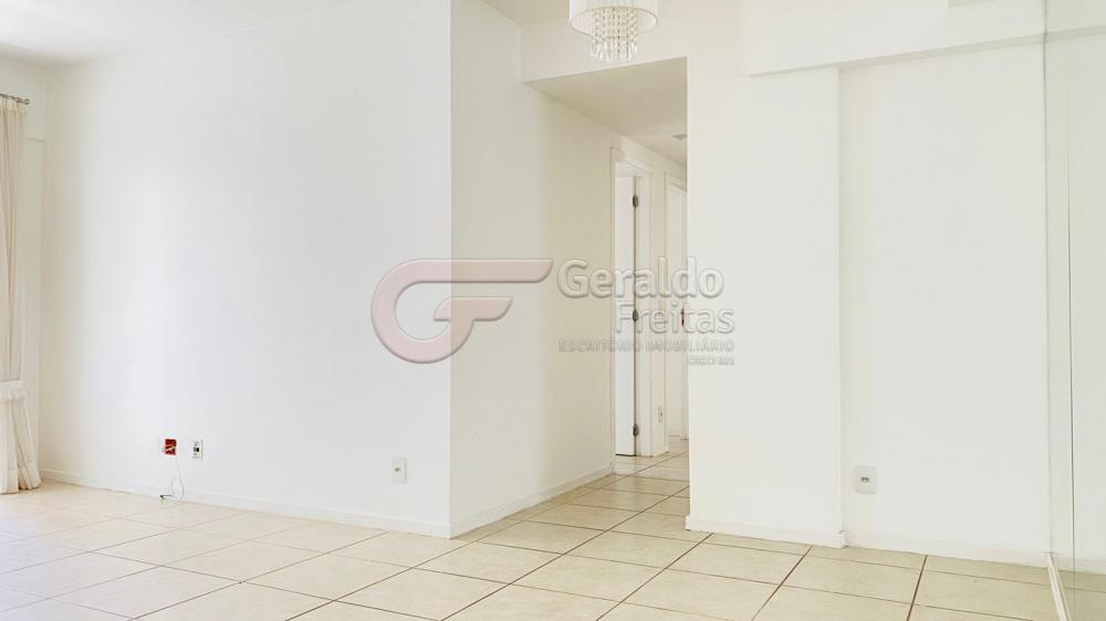 Comprar Apartamentos / Padrão em Maceió R$ 600.000,00 - Foto 1
