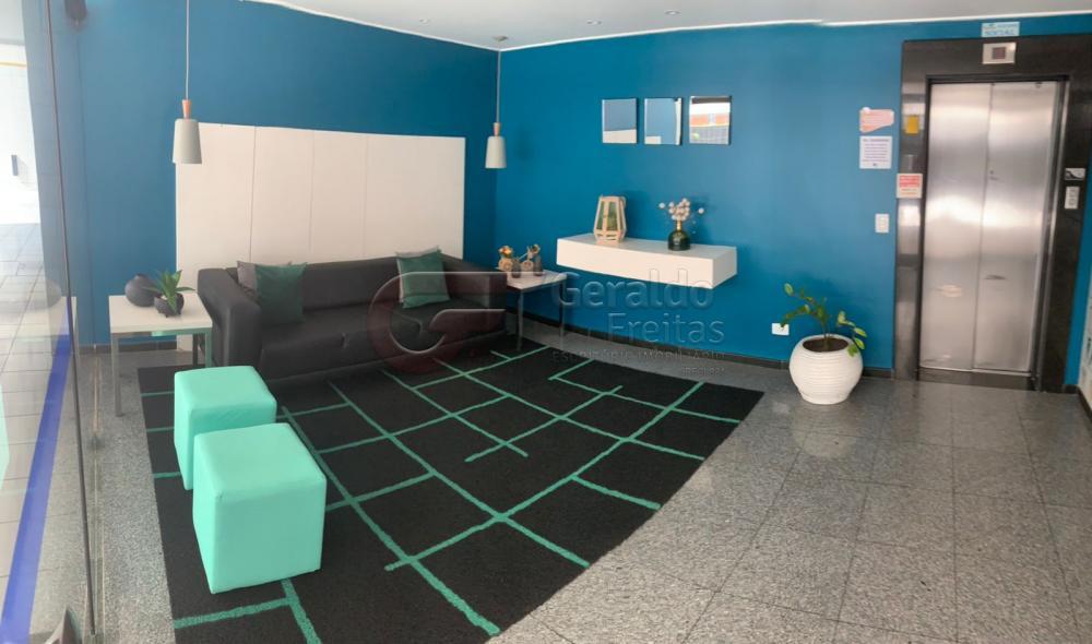 Comprar Apartamentos / Padrão em Maceió R$ 370.000,00 - Foto 2