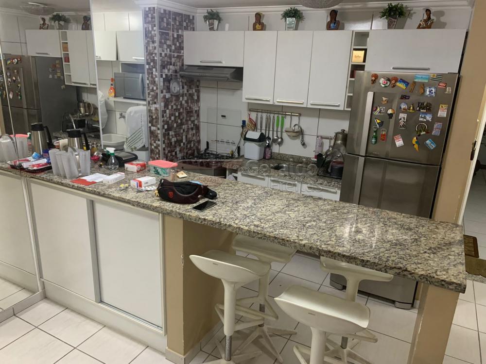 Comprar Apartamentos / Padrão em Maceió R$ 355.000,00 - Foto 4