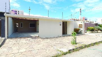Alugar Casas / Residencial em Maceió. apenas R$ 2.535,00