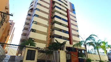 Alugar Apartamentos / 03 quartos em Maceió. apenas R$ 730.000,00