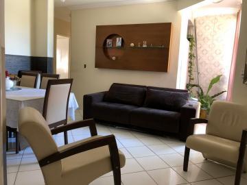 Apartamentos / Padrão em Maceió , Comprar por R$210.000,00