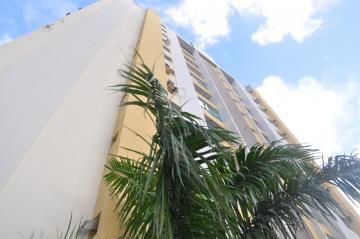 Apartamentos / Padrão em Maceió Alugar por R$1.600,00