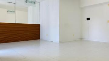 Alugar Apartamentos / Padrão em Maceió. apenas R$ 2.000,00