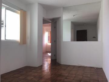Apartamentos / 02 quartos em Maceió Alugar por R$1.100,00