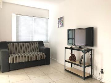 Apartamentos / Quarto Sala em Maceió Alugar por R$1.042,08