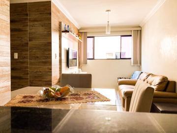 Apartamentos / Padrão em Maceió , Comprar por R$185.000,00