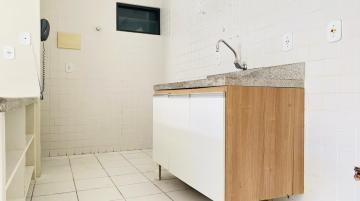 Alugar Apartamentos / Quarto Sala em Maceió R$ 1.300,00 - Foto 5