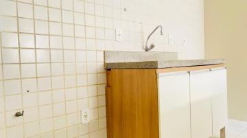 Alugar Apartamentos / Quarto Sala em Maceió R$ 1.300,00 - Foto 7